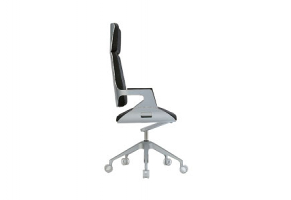 interstuhl silver executive office chairs silver. Black Bedroom Furniture Sets. Home Design Ideas